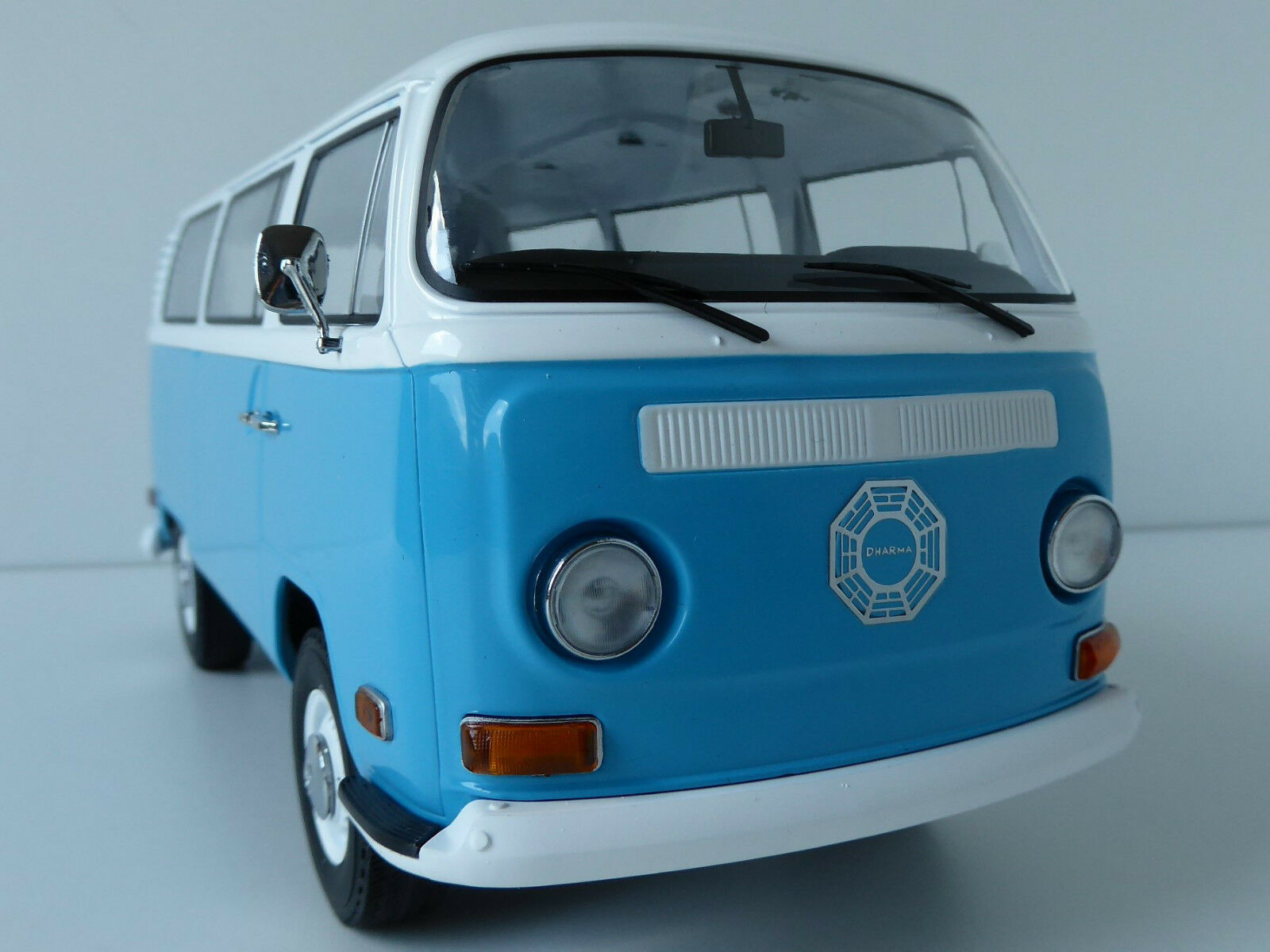 aquí tiene la última VW T2 Bus Lost Lost Lost Tv Series Dharma 1971 1 18 Artisan verdelight 19011  popular