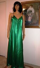 LUCIE ANN vintage EMERALD GREEN LIQUID SATIN Polyester Nightgown size L large
