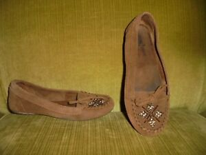 *MINNETONKA* Womens Beaded Dark Brown Suede Moccasins,  Sz. 6.5.