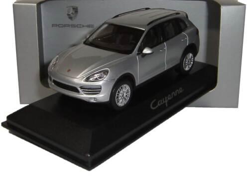 Minichamps WAP0200020B neu Porsche Cayenne 2011 silber