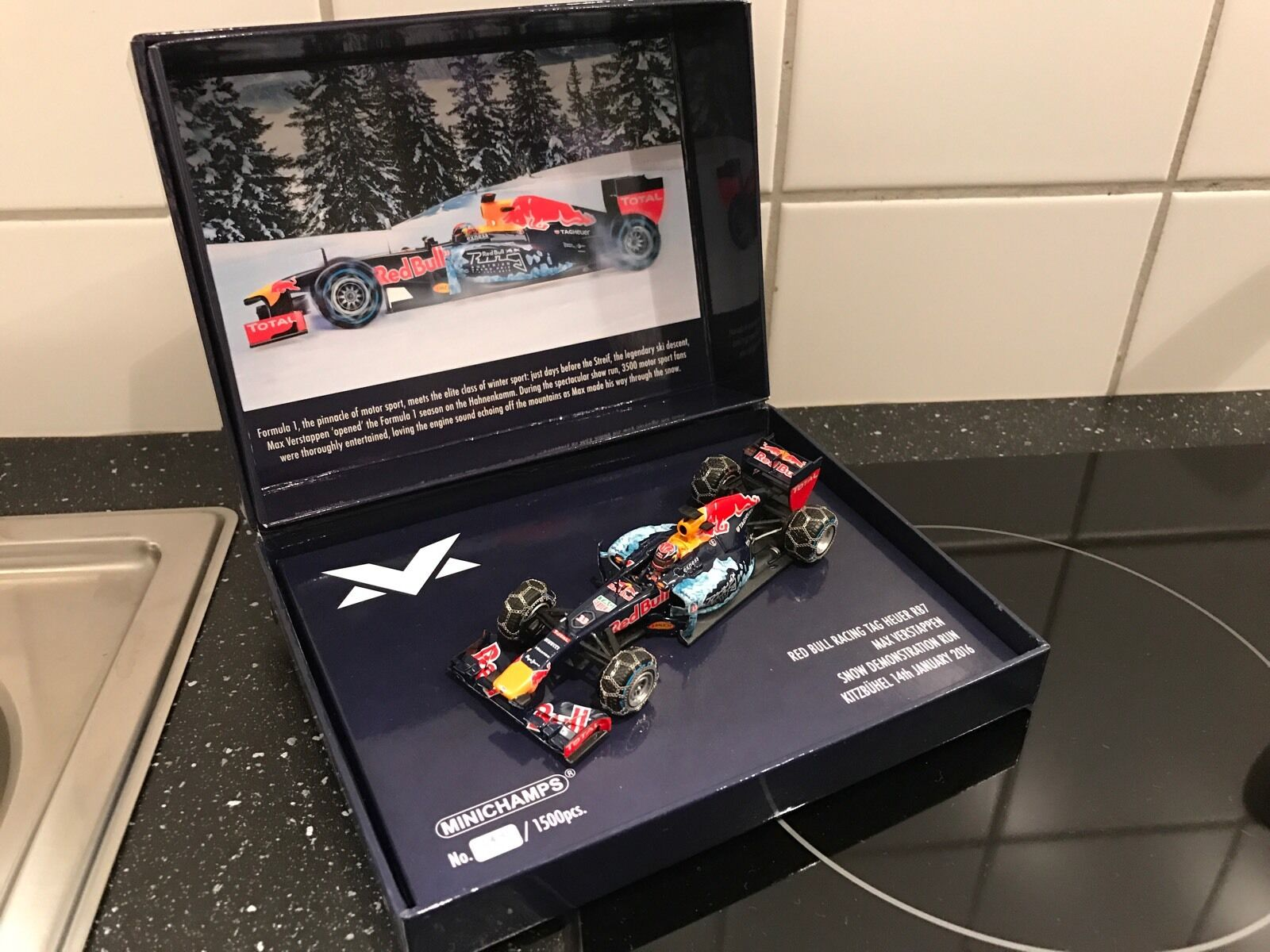 Max Verstappen Red Bull 1:43 demo Snow Run 2016 Ltd Edition Kitzbühel  NOUVEAU & NEUF dans sa boîte | Laissons Nos Produits De Base Aller Dans Le Monde
