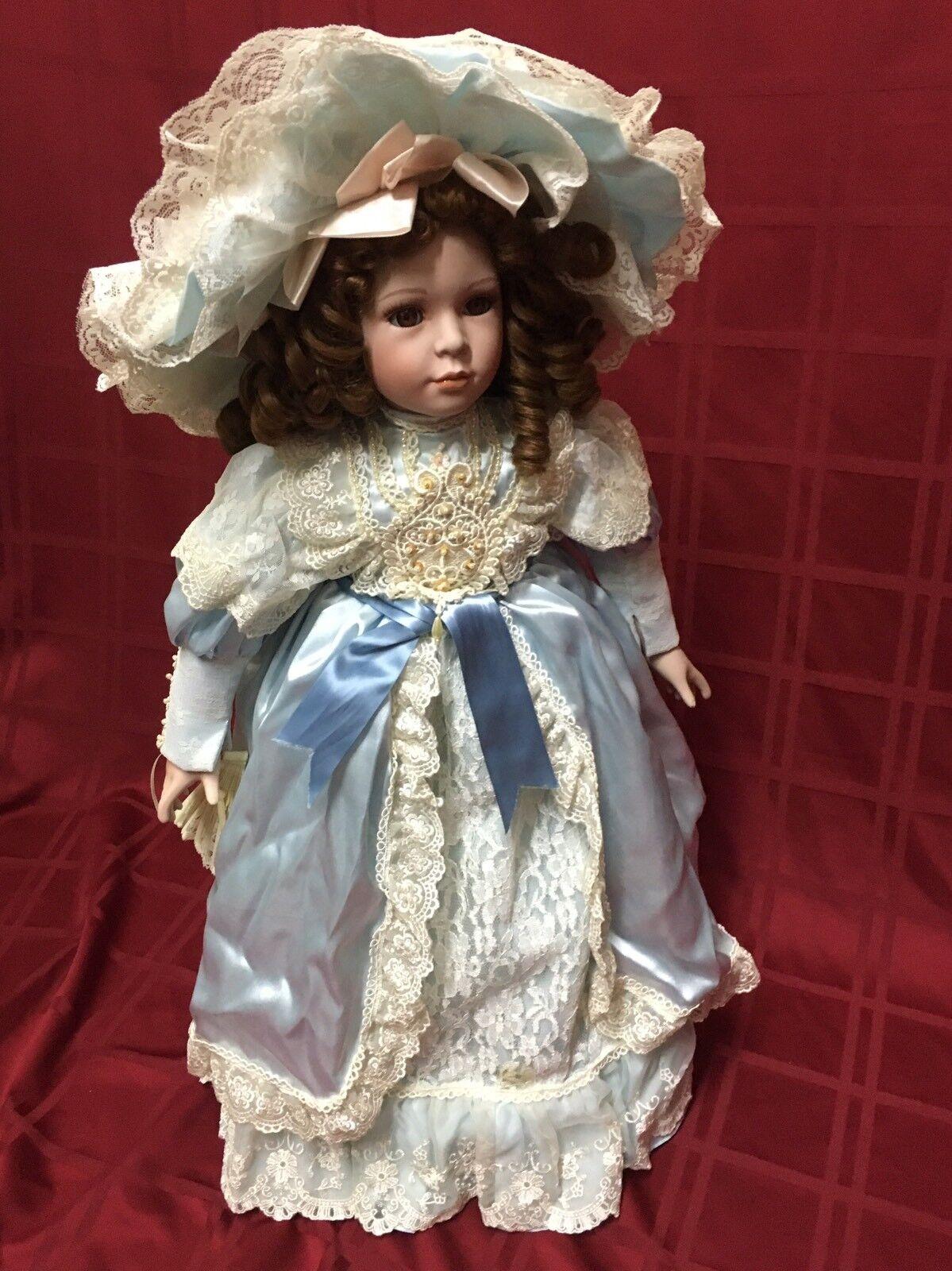 William Tung 1997 230 1500 27  Porcelain Doll Dress Silky Blau Weiß Lace Dress