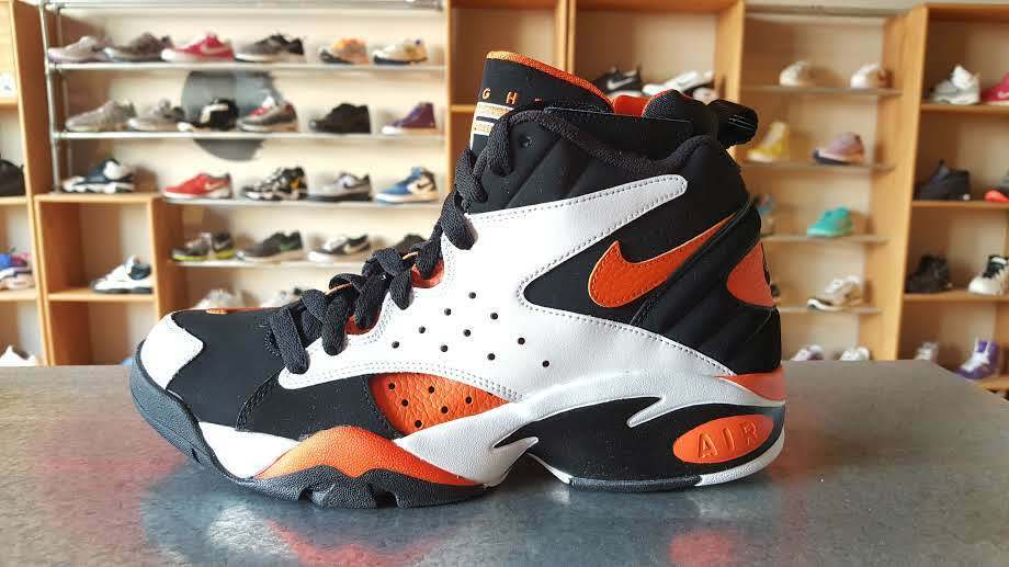 Nike Air Maestro li Ltd AH851 -101 Basketball  scarpe 100% Authentic.  prodotto di qualità
