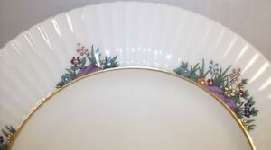 Lenox-RUTLEDGE-2-Dinner-Plates-Gold-Backstamp-P-303-GREAT-CONDITION-light-use