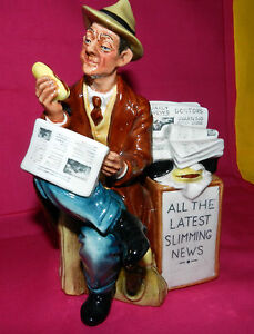 ROYAL-DOULTON-Rare-HAND-Signed-BY-MICHAEL-DOULTON-1983-STOP-PRESS-1976-Figurine