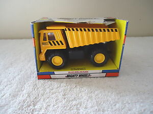 Soma-Mighty-Wheels-Dump-Truck-034-NOS-034-GREAT-COLLECTABLE-ITEM-034