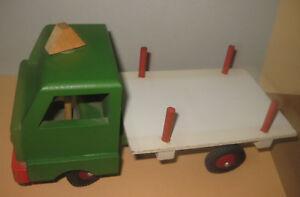 Alter-kleiner-60-70er-DDR-Sperrholz-Holz-Laster-LKW-lenkbar-von-oben