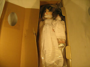 """*NEW* 18"""" Porcelain Doll 1982 MANN'S COLLECTIBLE Hand Painted Hand Sewn [Y118]"""