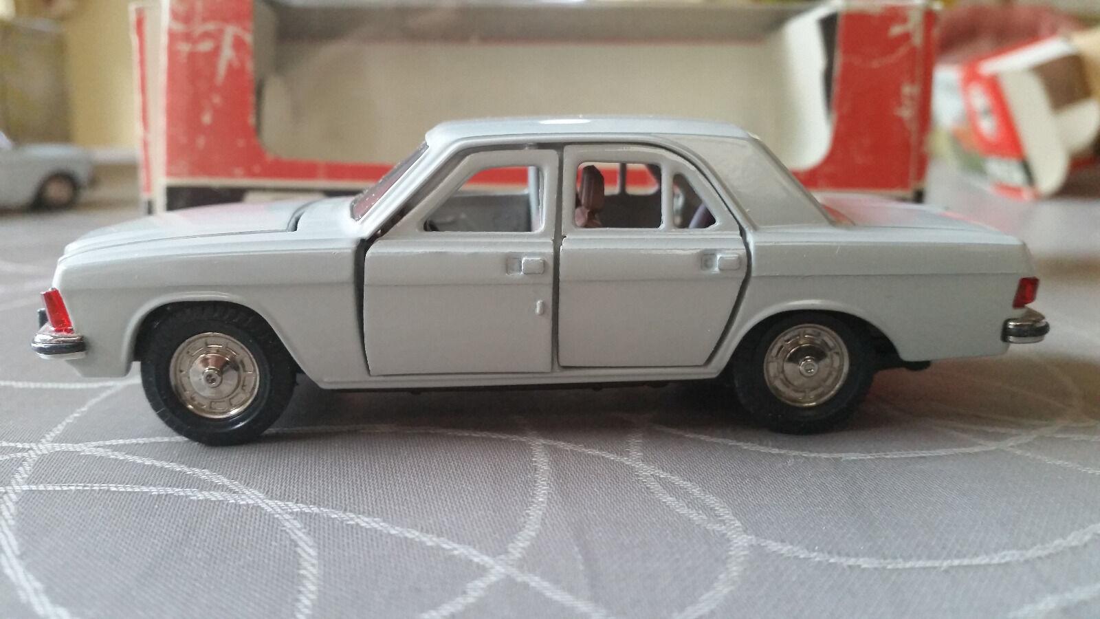 Novoexport GAZ 3102 Volga USSR, 1 43 OVP
