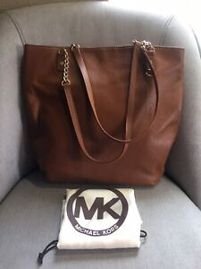 95d17404e3a2 Michael Kors Honey Brown Pebbled Leather Gold Chain Strap Handbag ...