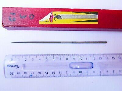 #30 Lime aiguille carrée  UMAS   18  cm  grain 0