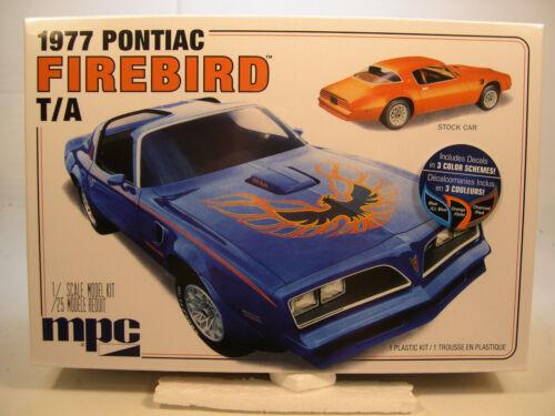1977 PONTIAC FIREBIRD TRANS AM MPC 1:25 SCALE PLASTIC MODEL CAR KIT