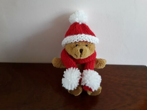 HAND KNITTED  HAT AND SCARF FOR YOUR LITTLE TEDDY BEAR.