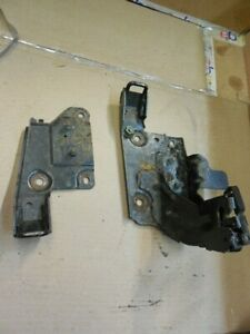 03-10-Porsche-Cayenne-Rear-Pair-Of-Seat-Belt-Bracket-Mounts-7L0886221