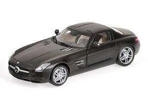 Mercedes Benz Sls Amg 6.3 Noir plat 2010 Minichamps 100039027 1/18 Noire Noire