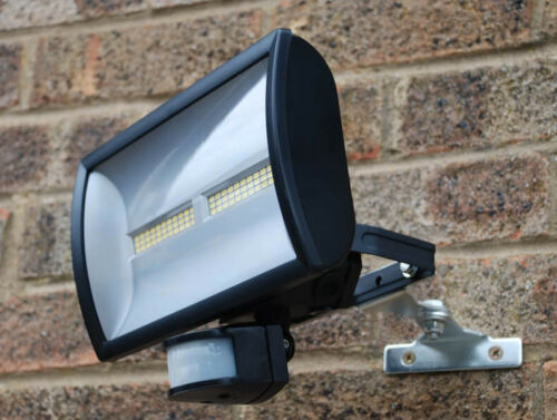 Floodlight Adjustable Wall Bracket for Security Lights KRP1