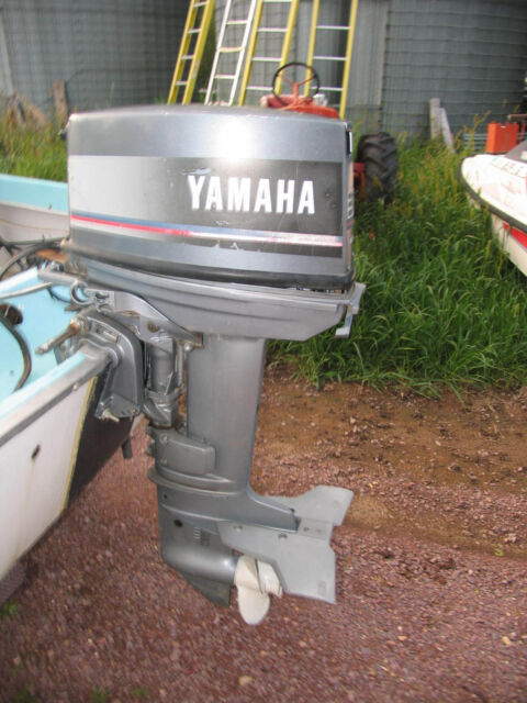 93 Yamaha 30hp 2 Cylinder 2 Stroke OUTBOARD Motor With Controls