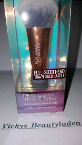 Real-Techniques-LImited-Edition-Mini-Expert-Face-Foundation-Brush-Pinsel-Neu-OVP