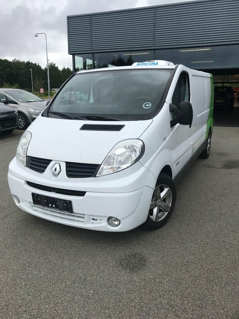 Renault Trafic T27 2,5 dCi 146 L1H1