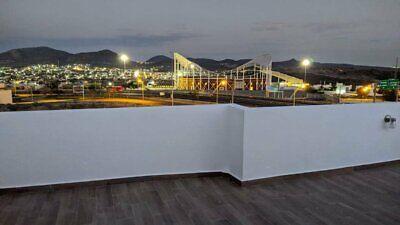 Casa En Venta Juriquilla San Isidro Privada 3 Recamaras 4 Baños 3 Est Roof Garden Nueva .T