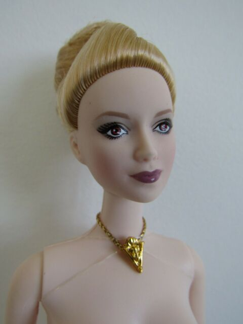 MATTEL BARBIE JANE TWILIGHT/ECLIPSE PINK LABEL DOLL, STAND - NEW OUT OF PACKAGE