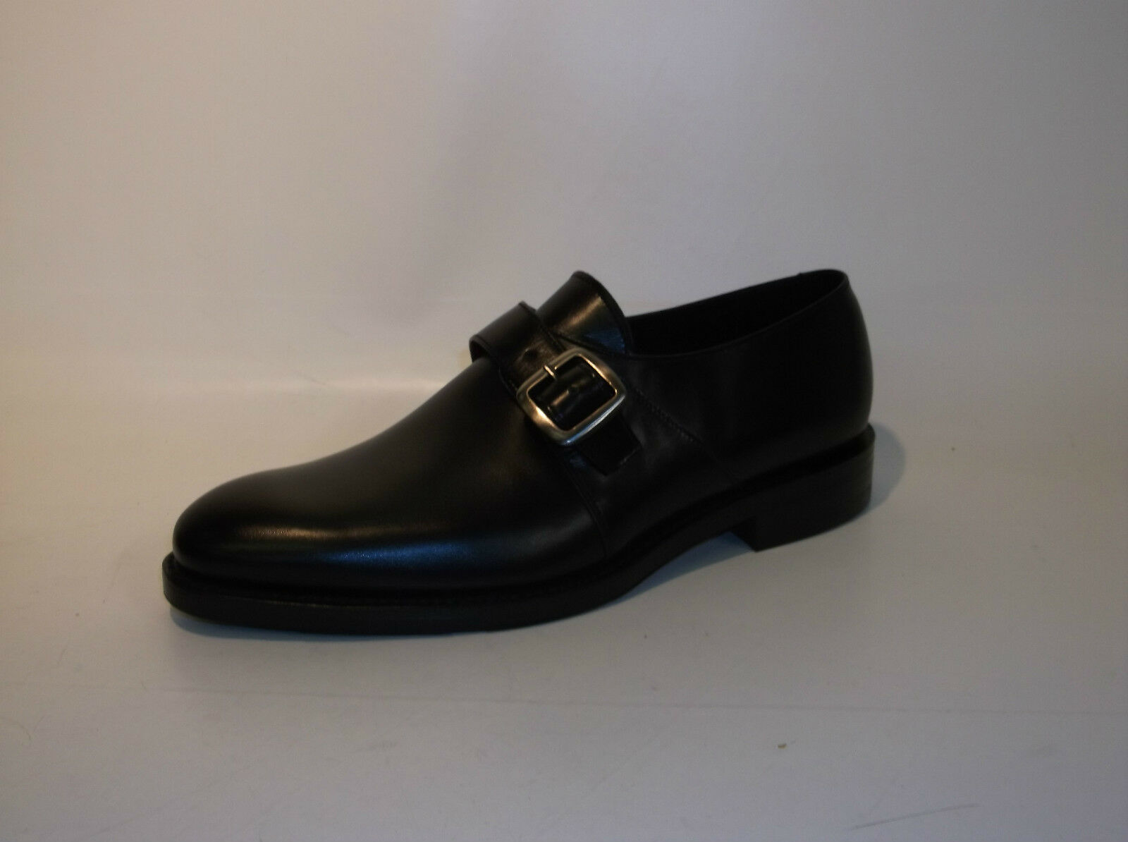 MENS LOAKE LEATHER SLIP ON WITH A BUCKLE STYLE FLEET