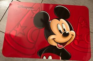 SET-DE-TABLE-MICKEY-PORTRAIT-Disneyland-Paris