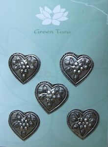 METAL-Embellishments-5-x-HEART-with-Flowers-DESIGN-Size-28-x-28mm-Green-Tara-B