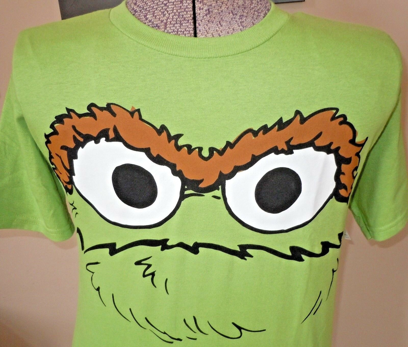 L K Mens Nwt Sesame Street Oscar The Grouch Garbage Can T Shirt Green M 29