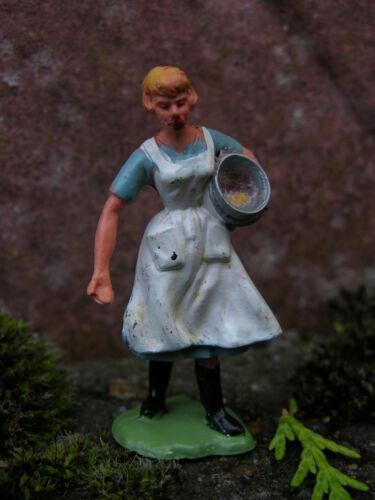 FEMALE WORKERS MULTI-LISTING BRITAINS FARM ANIMALS