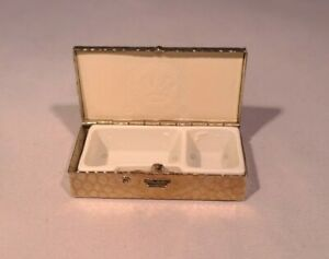 Vintage-Pill-Box-Metal-Silver-Tone-With-Plastic-Divider-Insert