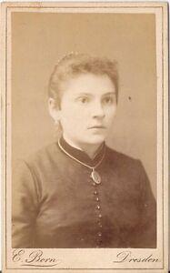 CDV-photo-Damenportrait-Dresden-1880er