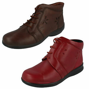 Mujer Leather corte ancho DB Easy B ENCAJE Botines con cordones estilo pista