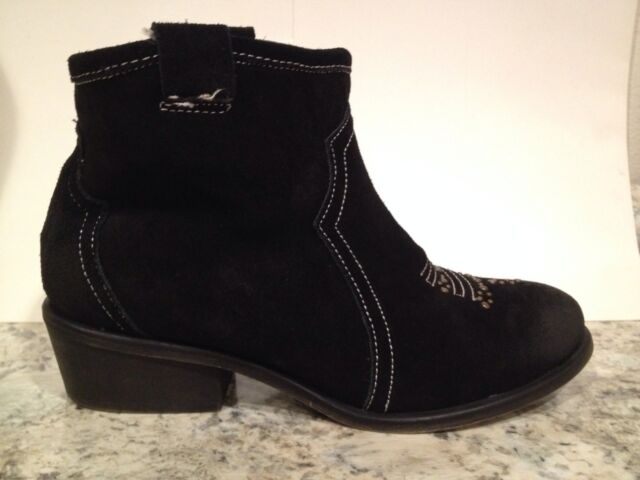 Charles By Charles David Honey Western Ankle Boots Suede Pull On Black 7.5