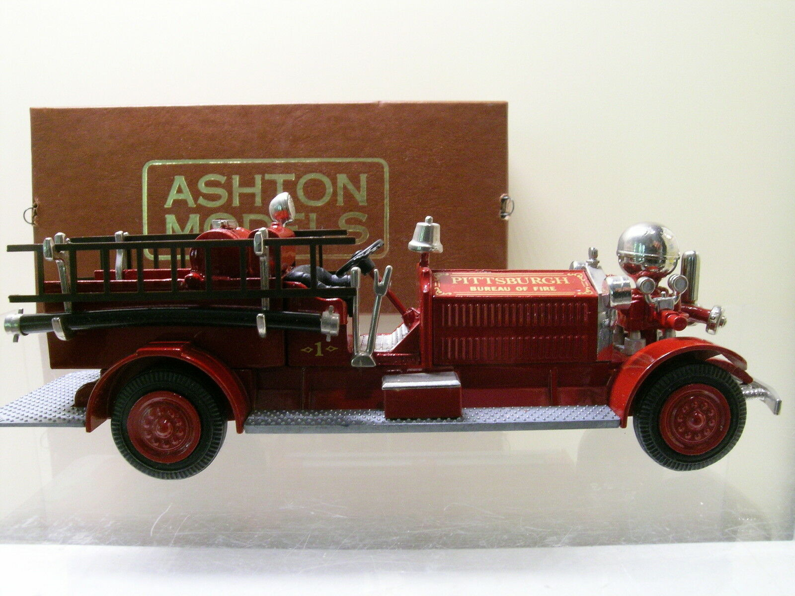 ASHTON MODELS AH7 AHRENS FOX NS4 FIRE PUMPER PITTSBURGH RED RED RED 1923 BOXED  1 43 78e7af