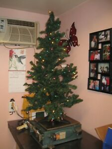 4 Foot Christmas Tree.Details About Pre Lit Hillside Christmas Tree 4 Foot Needs Fluffed