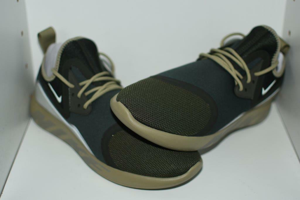 NIKE LUNARCHARGE ESSENTIAL MENS SHOES - MENS SIZE 10