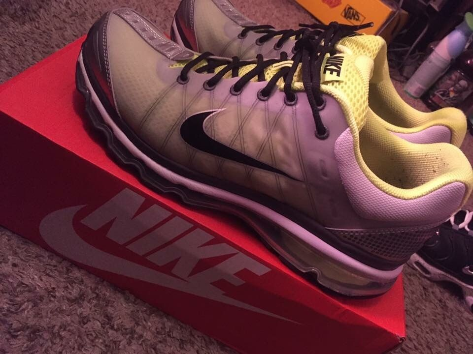 Men's Size 13 Airmax in great condition