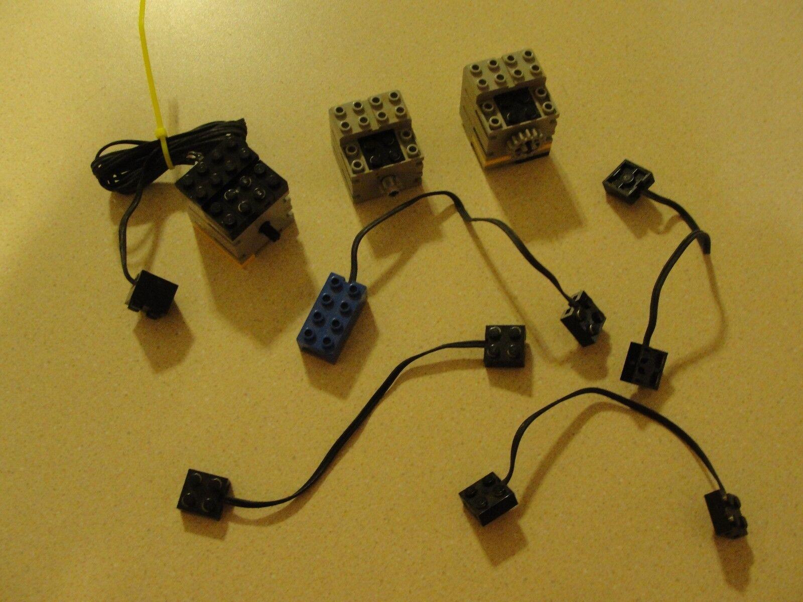 Joli  lot de LEGO VINTAGE AUTO et câbles legos doit voir  qualité garantie