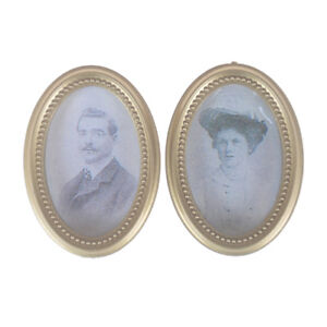 2x-Set-Dollhouse-Miniature-Victorian-Gentleman-Lady-Picture-Oval-Photo-Frame