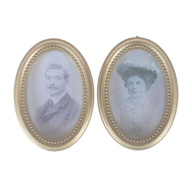 2Pcs/Set Dollhouse Miniature Victorian Gentleman Lady Picture Oval Photo Frame C