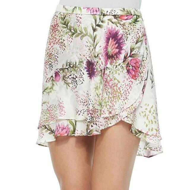 Haute Hippie Estampado Floral cortas Coqueta Mini Falda Talla S  Seda  vendiendo bien en todo el mundo