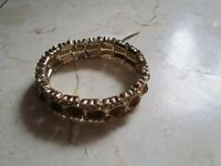 With Tags Monet Topaz Colored Rhinestones Stretch Gold Tone Bracelet