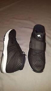 best sneakers ff92d e0356 Image is loading NIKE-ZOOM-TRAIN-TORANADA-BLACK-WHITE-SHOES-MENS-