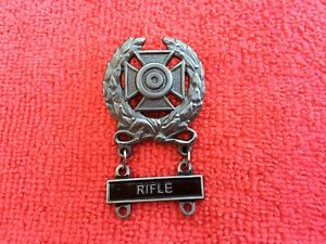US-ARMY-EXPERT-RIFLE-MARKSMANSHIP-BADGE