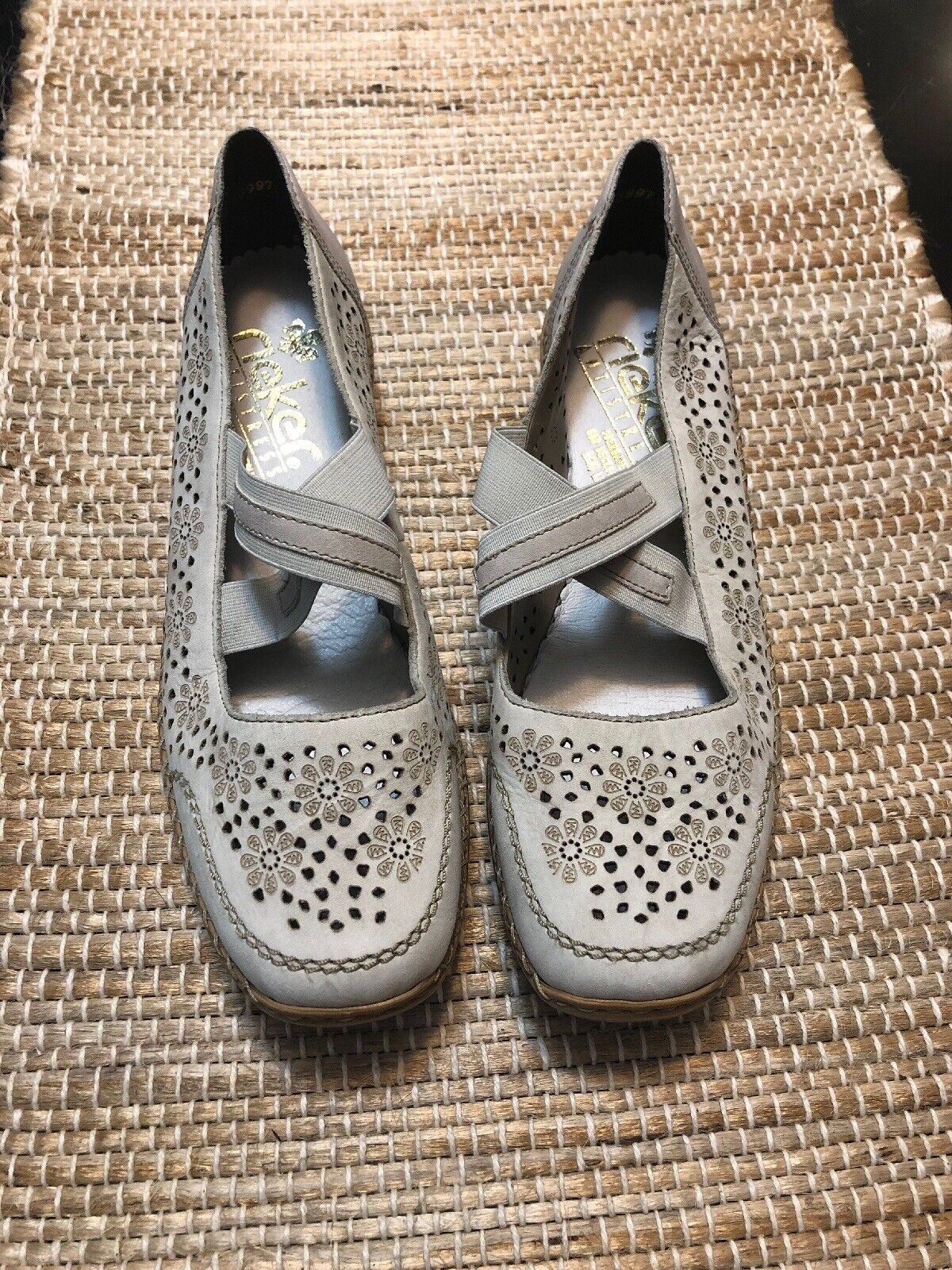 RIEKER Antistress Perforated Ivory Leather Driving Moccasins Loafer shoes 37 New
