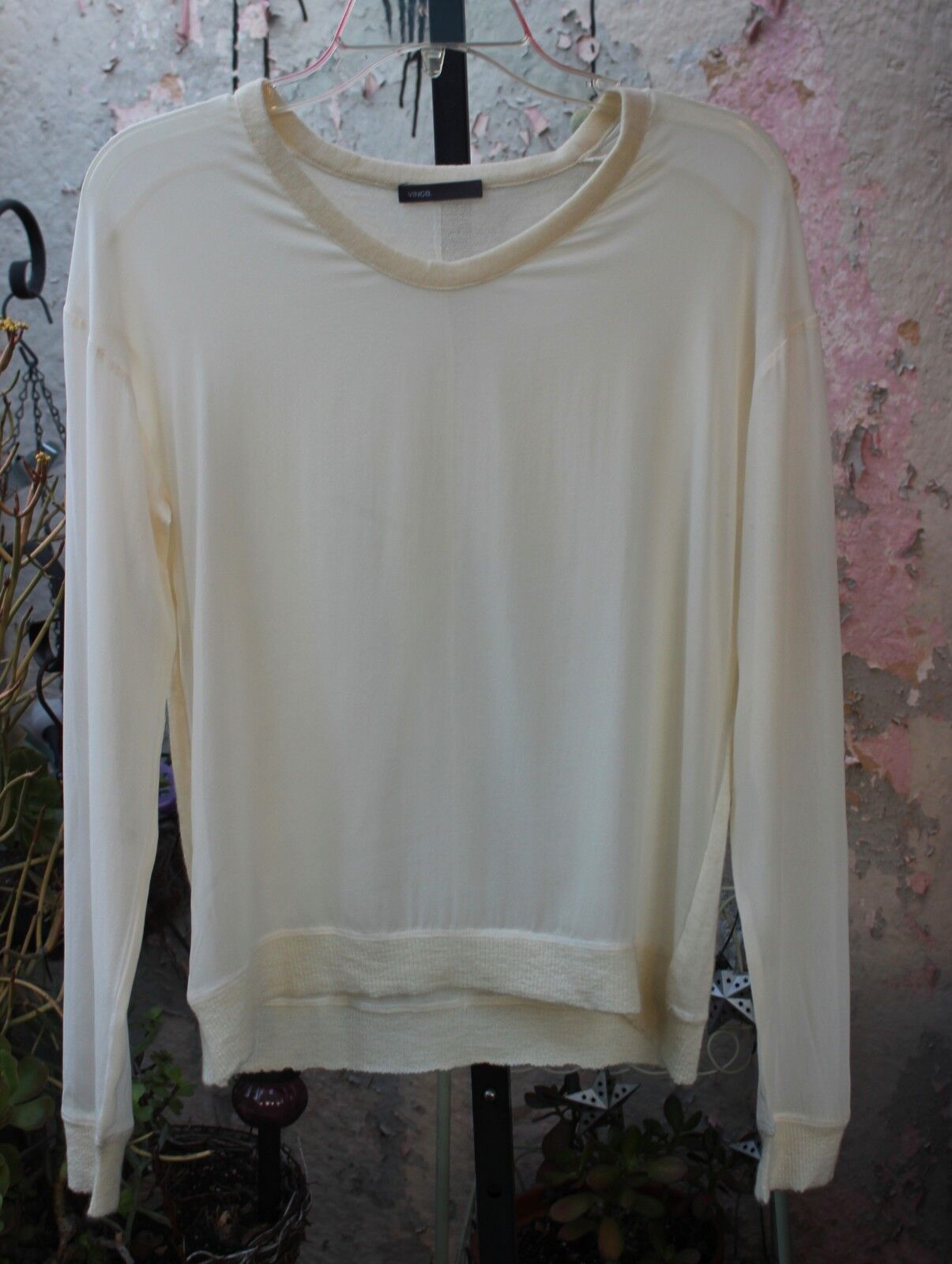 NWOT  Vince Off Weiß Cashmere & Silk Knit Top Sweater M