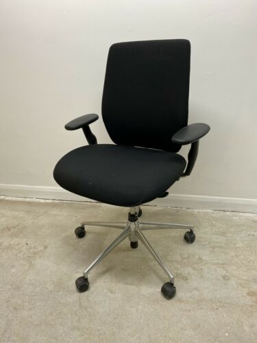 Vitra ID Soft Concept Antonio Citterio Swivel Office Chair 2 Available