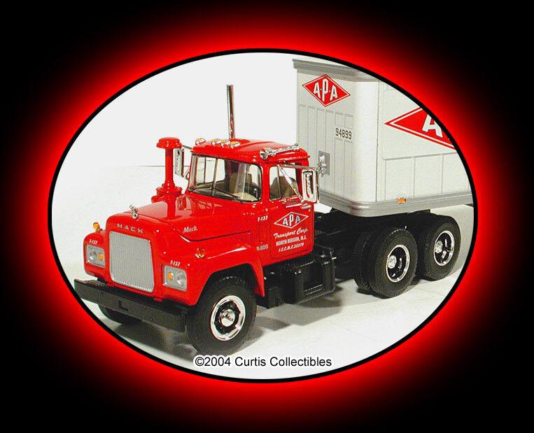 Enorme 17  largo a P un flete tándem en tándem R Mack remolque de tractor First Gear
