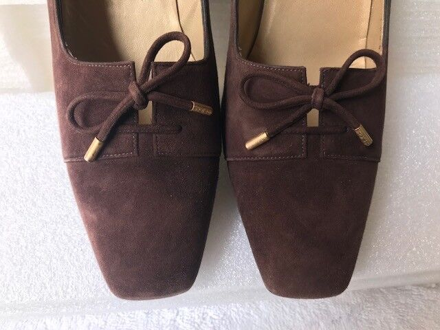 ST. JOHN COLLECTION BROWN SUEDE PUMPS WITH DECORATIVE 8.5 LACE-UP FRONT TIE  8.5 DECORATIVE 6be4c7